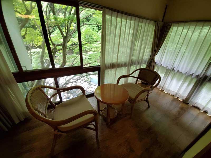 窓に囲まれたサンルーム