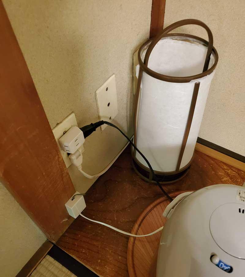 電源コンセントは少なめ