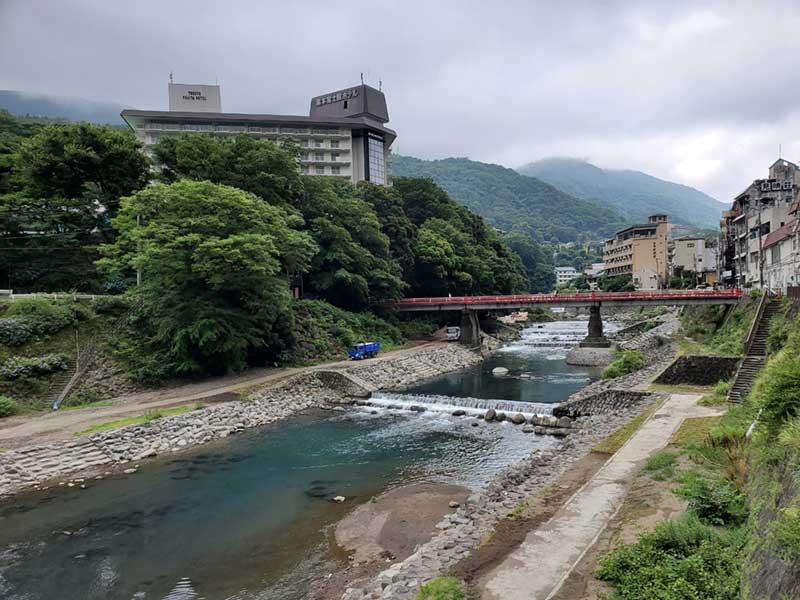 早川と湯本富士屋ホテル