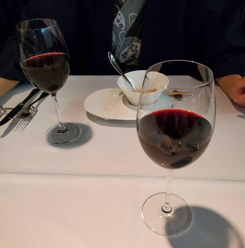 ワインを好きなだけ追加